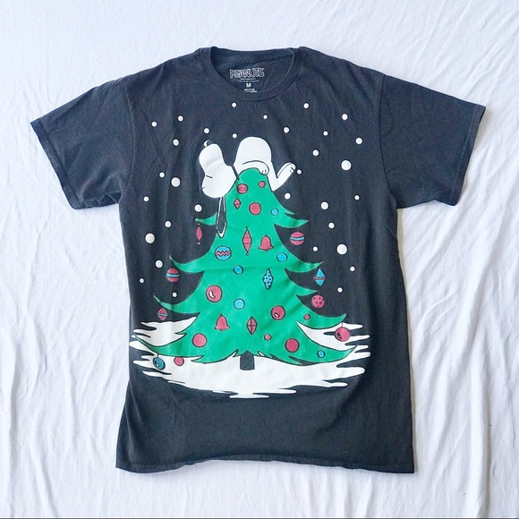 Peanuts Tops - Snoopy Christmas T-Shirt